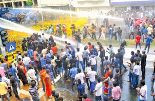 Sri Lanka University Students Tear Gas Attack Protest